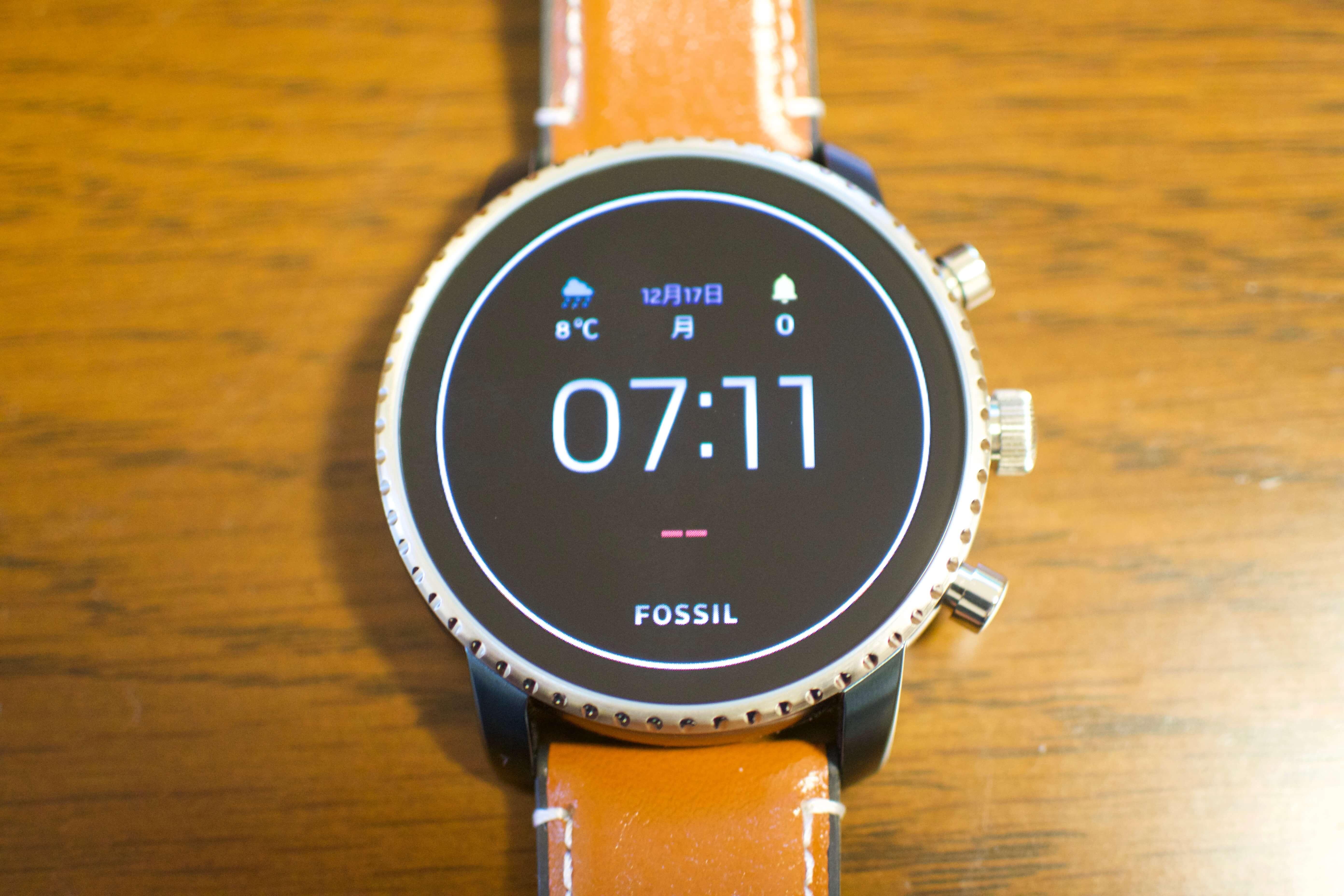 時計ブランドならではのスマートウォッチ! 『FOSSIL Q Explorist HR』と『FOSSIL Q Venture HR』レビュー
