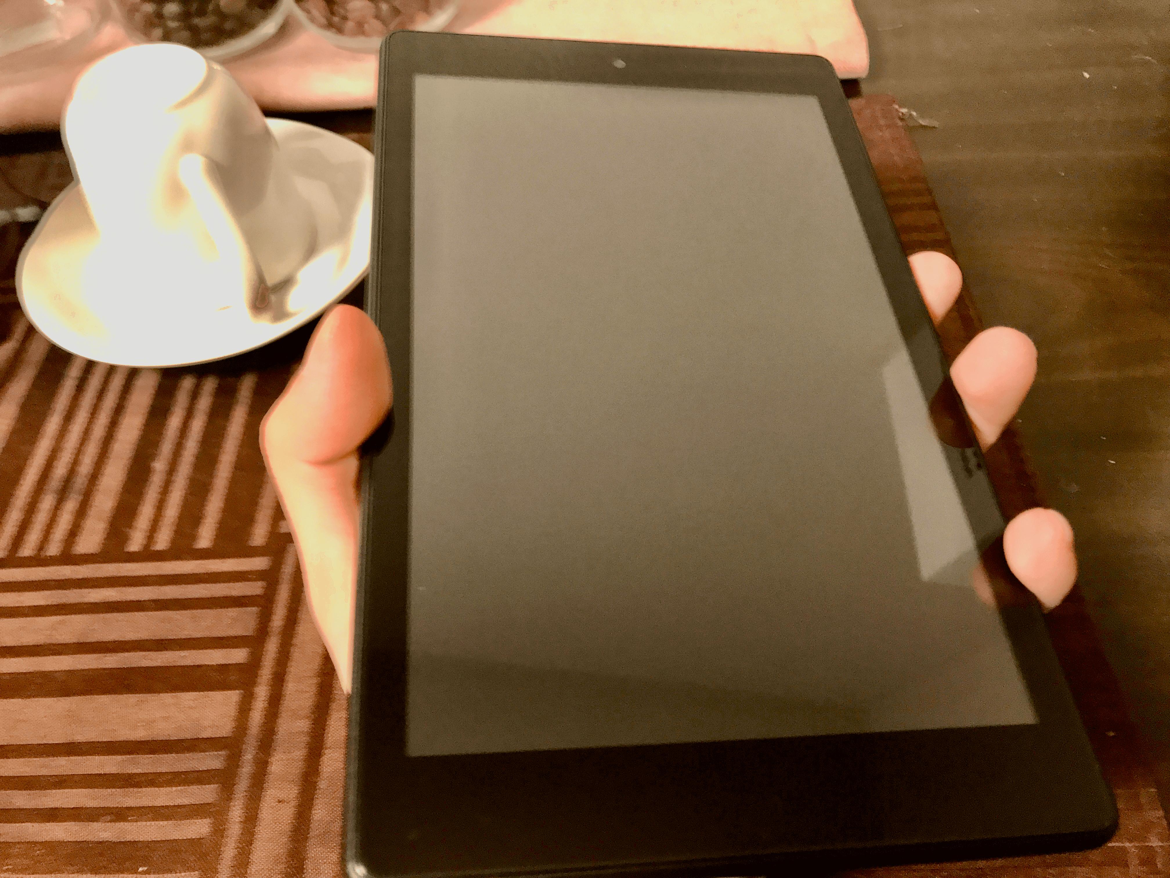 Amazonの低価格タブレットKindle Fire HD 8を買ったよ。レビューだよ。