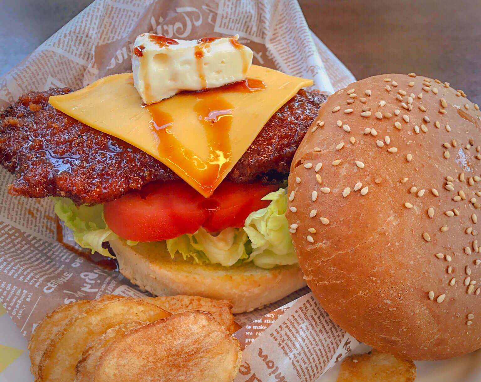 伊豆・下田で話題の金目鯛バーガーを食べる! 『道の駅 開国下田みなと』へドライブ